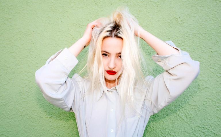 Du Blonde_Alice Baxley