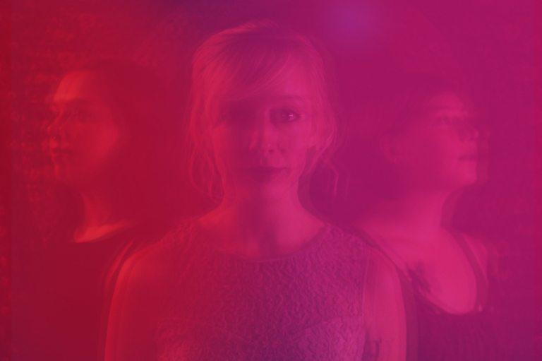 3-singers-pink