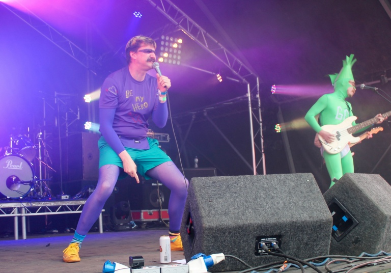 Indietracks Review 2019 – Sunday Ft  L I P S, Adult Mom & Foundlings